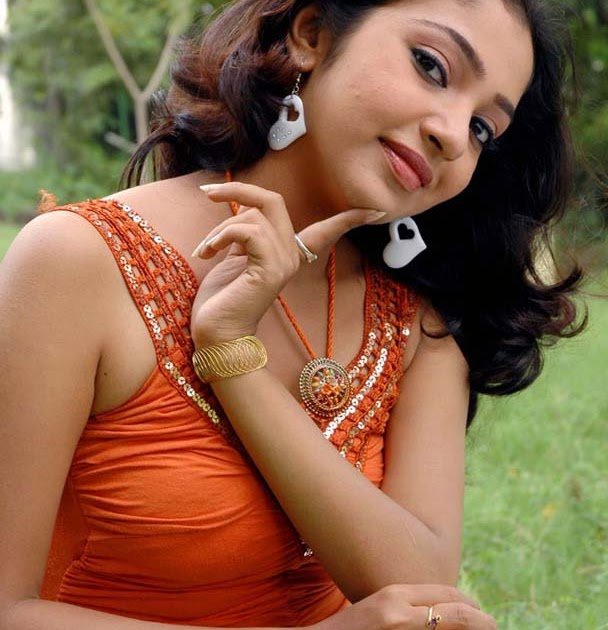 Hot And Spicy Actress Photos Gallery: Tamil Actress Maya