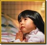 niños rezando (11)