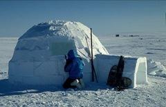 inupiat-eskimo-igloo