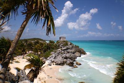 Templo maia à beira-mar
