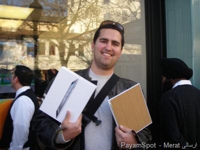 اولین نفری که موفق شد آیپد 2 بخرد!