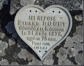 Plaque tombale de Pierre Douet, modeste paysan, adjoint et maire de Treillières pendant 48 ans