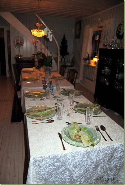 Morten, Otto og pyntet bord til middagselskap 017