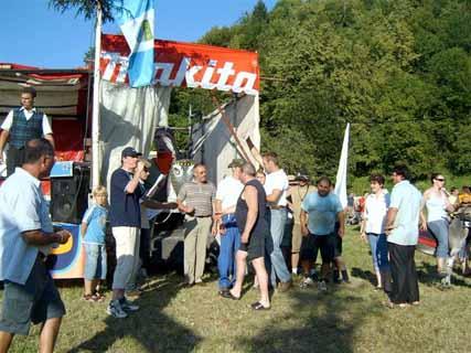 Priznanja in nagrade zmagovalcem sta podelila predsednik ŠKT Društva Levpa Miran Jug in župan občine Kanal ob Soči Andrej Maffi.
