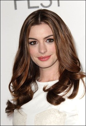 Anne Hathaway Long Hairstyles Long Center L98eCmMSsIll