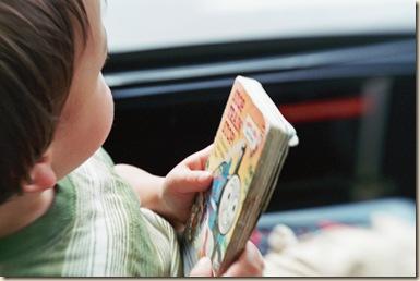 leyendo bus