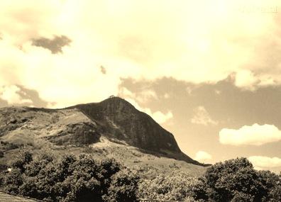 BXK16597_montanha-1800