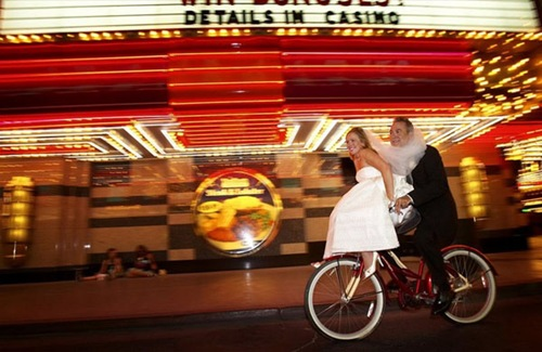 las-vegas_wedding_bike
