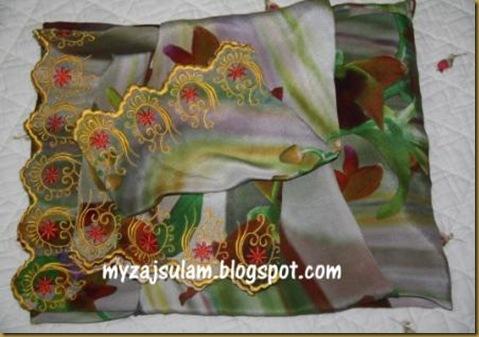 Sulam baju Mak Lang 21.8.2010 005