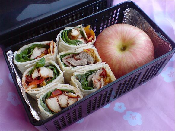 apple and wrap bento
