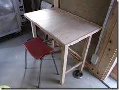 自然素材の家 作業机