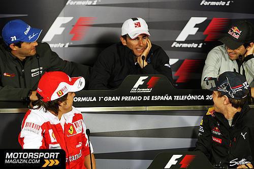 Педро де ла Роса на пресс-конференции на Гран-при Испании 2010
