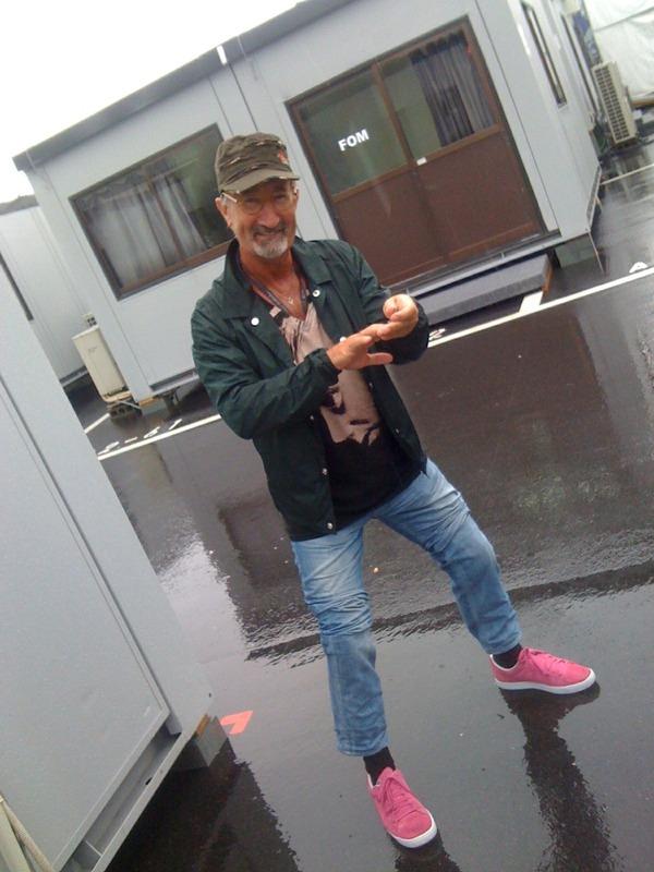 Эдди Джордан в розовых шузах