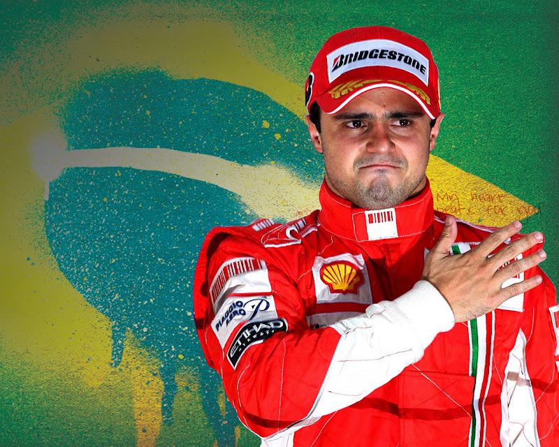 суровый Фелипе Масса на фоне Бразильского флага
