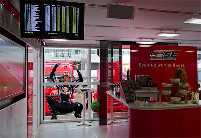 Марк Уэббер Ferrari