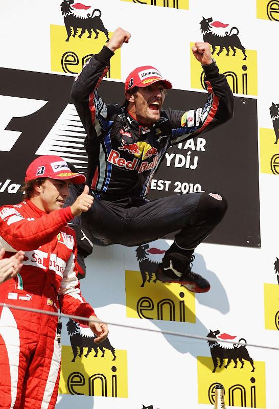 прыжок Марка Уэббера на подиуме Гран-при Венгрии 2010
