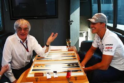 Берни Экклстоун и Михаэль Шумахер дают интервью