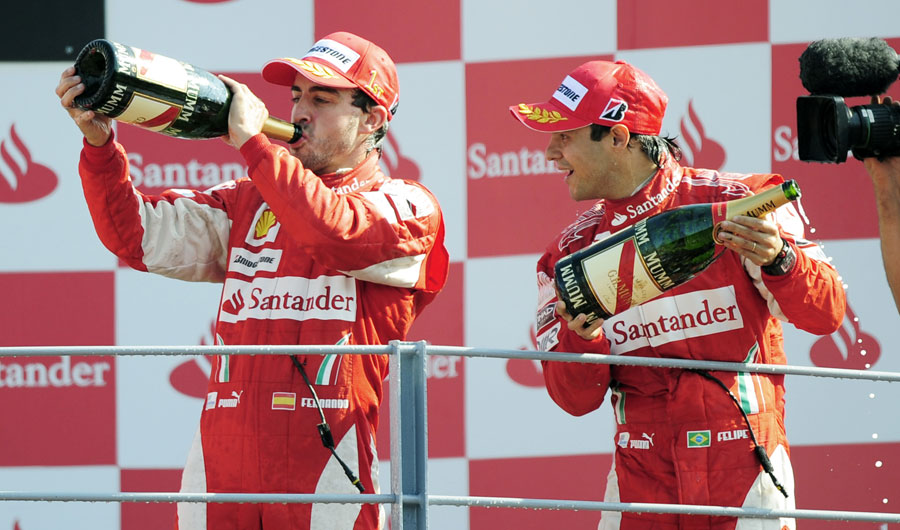 Фернандо Алонсо и Фелипе Масса на подиуме Гран-при Италии 2010