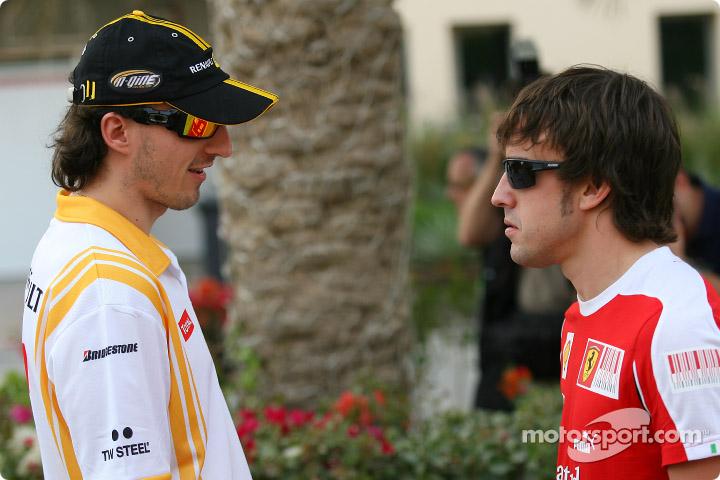 Роберт Кубица и Фернандо Алонсо на Гран-при Бахрейна 2010