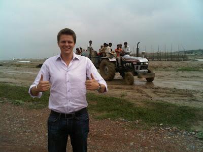 Джек Хамфри инспектирует трассу в Индии