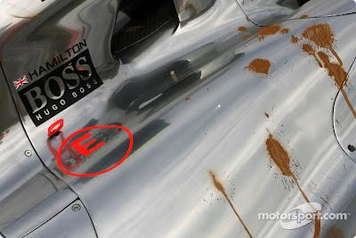 McLaren Льюиса Хэмилтона после аварии во время первой пятничной сессии свободных заездов на Гран-при Японии 2010