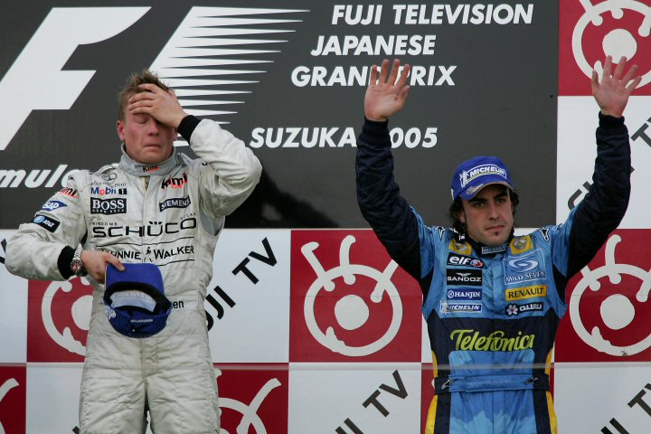 подиум Кими Райкконена и Фернандо Алонсо на Гран-при Японии 2005