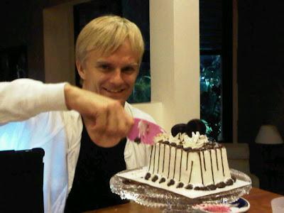 торт в честь Дня Рождения для Хейкки Ковалайнена