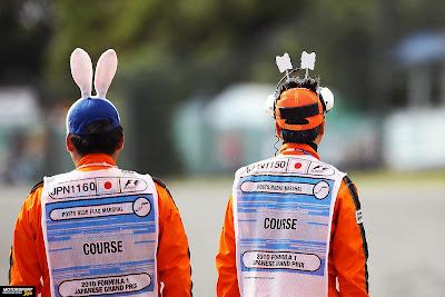 няшные маршалы на Гран-при Японии 2010
