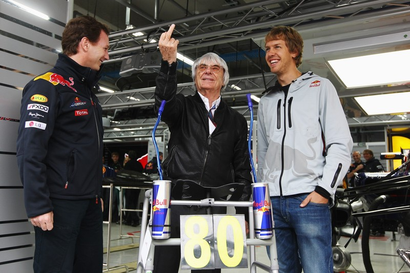 Берни Экклстоун по достоинству оценил подарок на Гран-при Кореи 2010