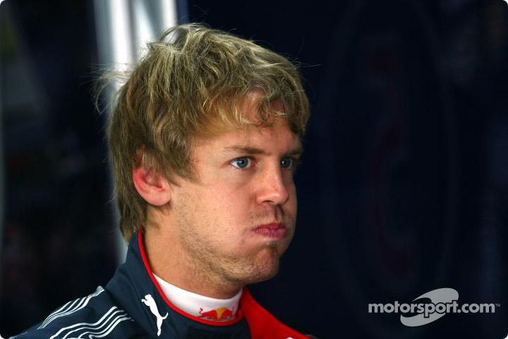 Себастьян Феттель надул щеки на Гран-при Кореи 2010