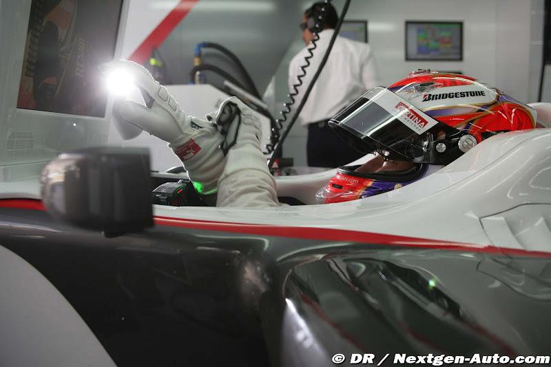 Камуи Кобаяши в кокпите Sauber на Гран-при Кореи 2010