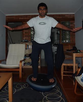 Карун Чандхок тренируется дома
