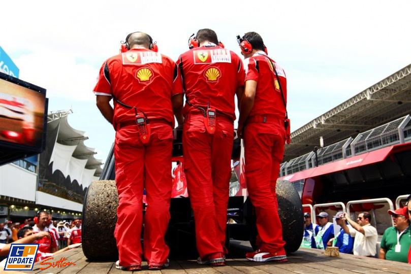 Ferrari возвращают в боксы на Гран-при Бразилии 2010