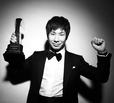 Камуи Кобаяши с наградой новичока года от Autosport