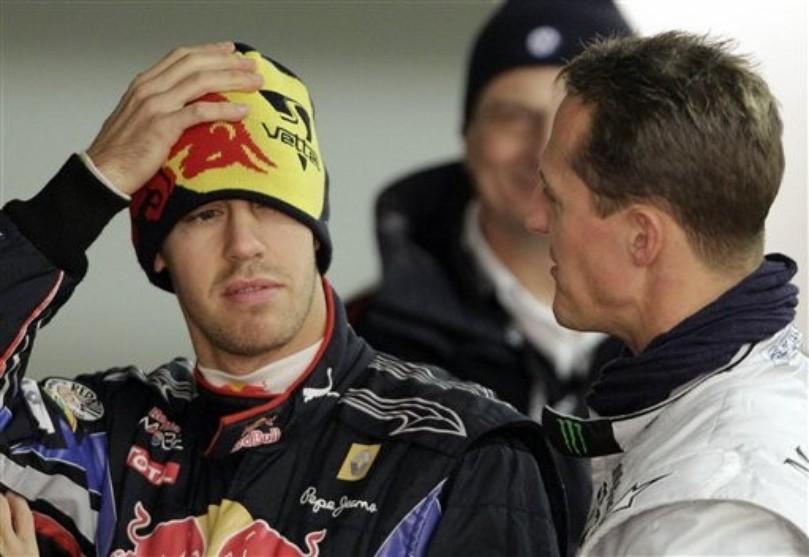 Себастьян Феттель и Михаэль Шумахер на Гонке чемпионов 27 ноября 2010