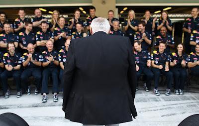 Дитер Матешиц и его оркестр Red Bull F1 на Гран-при Абу-Даби 2010