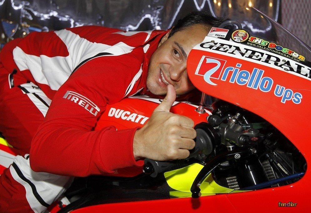 Фелипе Масса на мотоцикле Ducati на Wrooom 2011