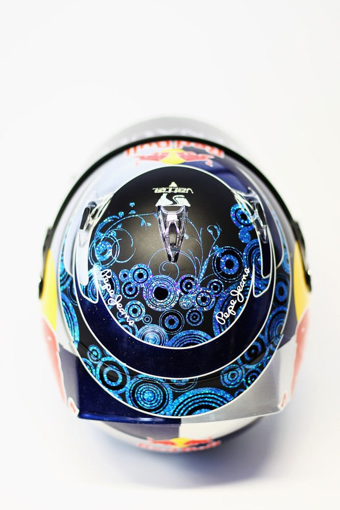 шлем Себастьяна Феттеля в сезоне 2011 вид сверху