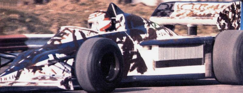 Нельсон Пике на Brabham BT54 на трассе в Брэндс-Хэтч