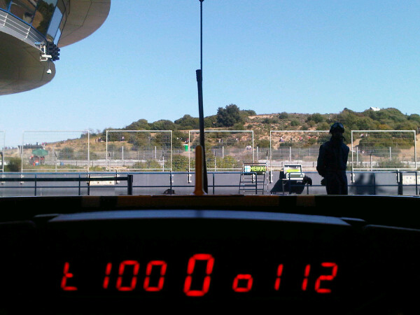вид из кокпита Lotus Хейкки Ковалайнена на предсезонных тестах 2011 в Хересе