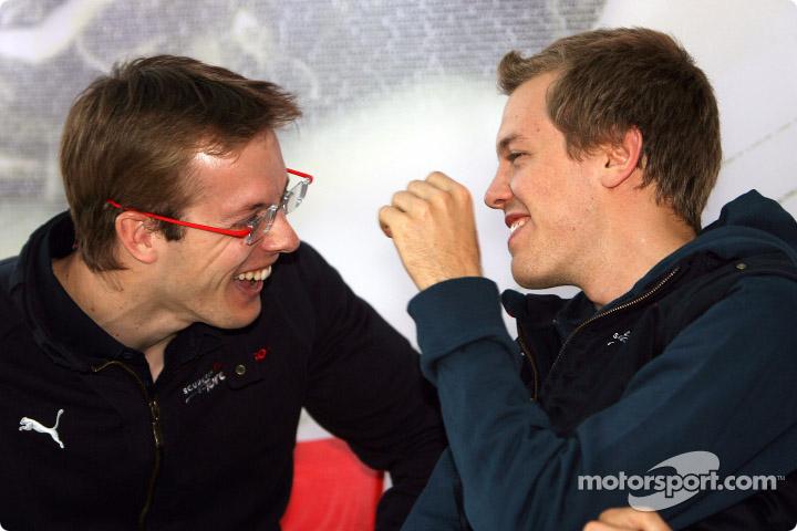 Себастьен Бурде и Себастьян Феттель смеются на Гран-при Турции 2008