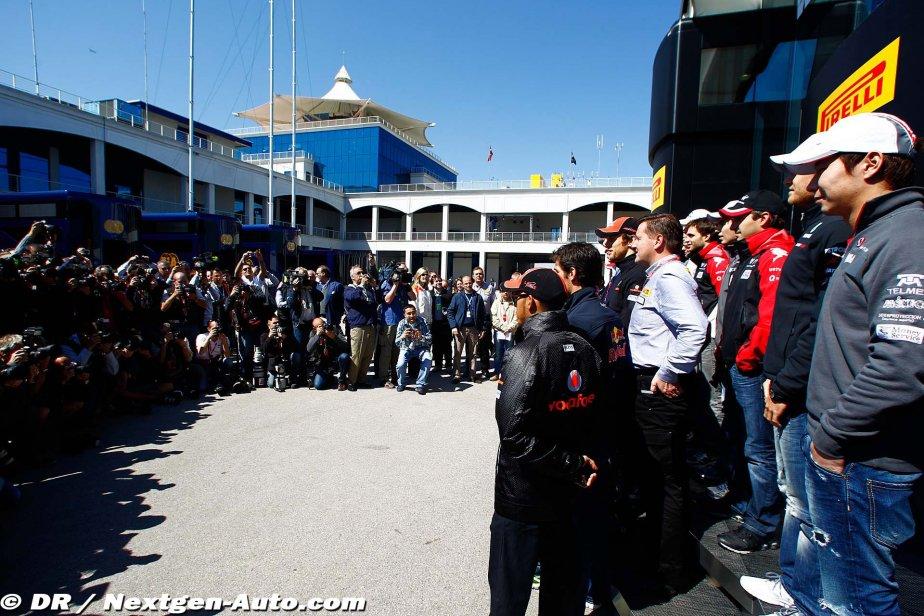 стена фотографов на Гран-при Турции 2011