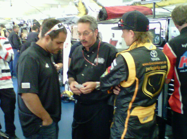 Кими Райкконен и Хуан Пабло Монтойя на этапе NASCAR Truck Series в Шарлотте