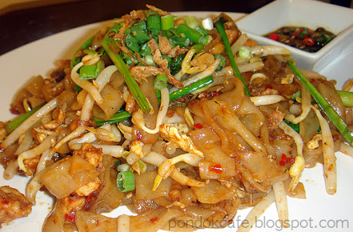 kuey teow goreng noodles pondok cafe