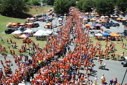 tailgate players walk 1