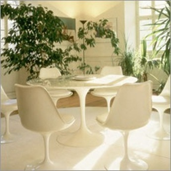 Knoll Saarinen Table