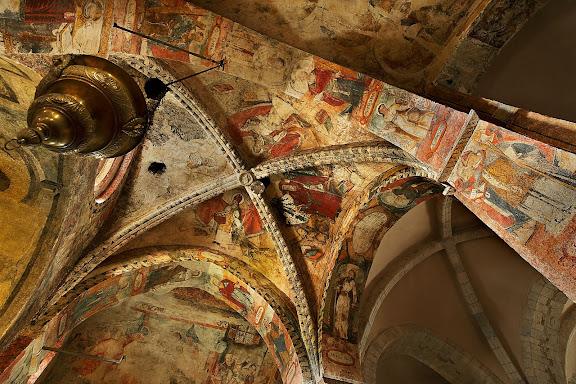 Església de Sant Andrèu de Salardú, pintures del segle XVII on es representen diverses personalitats i exemplificacions bíbliquesNaut Aran, Val d'Aran, Lleida
