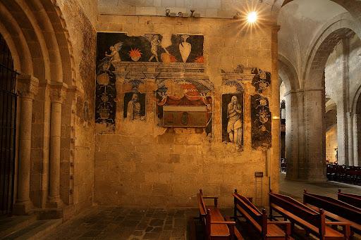 Pintures murals renaixentistes i tomba de Joan Despés, bisbe d'Urgell, s. XVI, catedral de la Seu d'Urgell.La Seu d'Urgell, Alt Urgell, Lleida