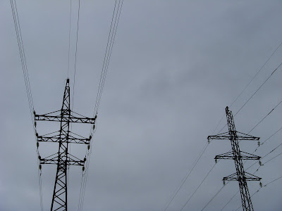 2本の鉄塔