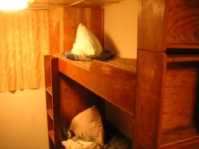 船底の船室のベッド
